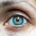 Řídnoucí obočí trápí stále více žen. Permanentní make-up obočí jim pomáhá
